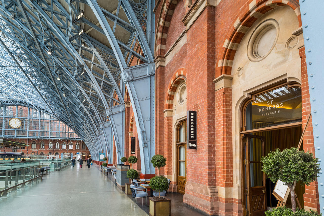St Pancras Brasserie and Champagne Bar by Searcys