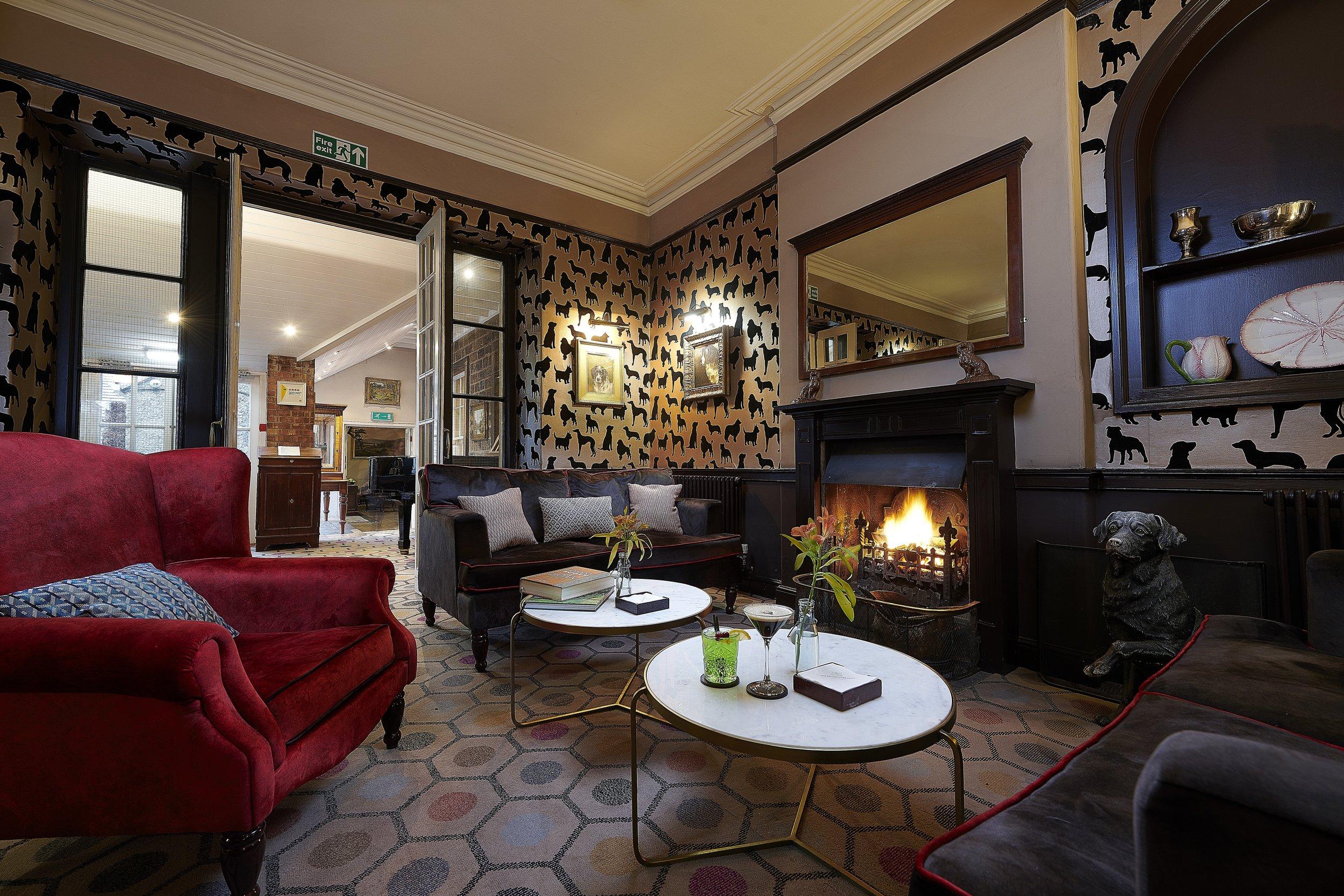 Devonshire Arms - Dog Lounge