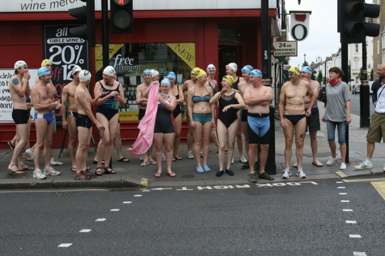 Amy Sharrocks,  SWIM , 2007, live artwork across London, 50 people, duration 1 day, photo by Ruth Corney