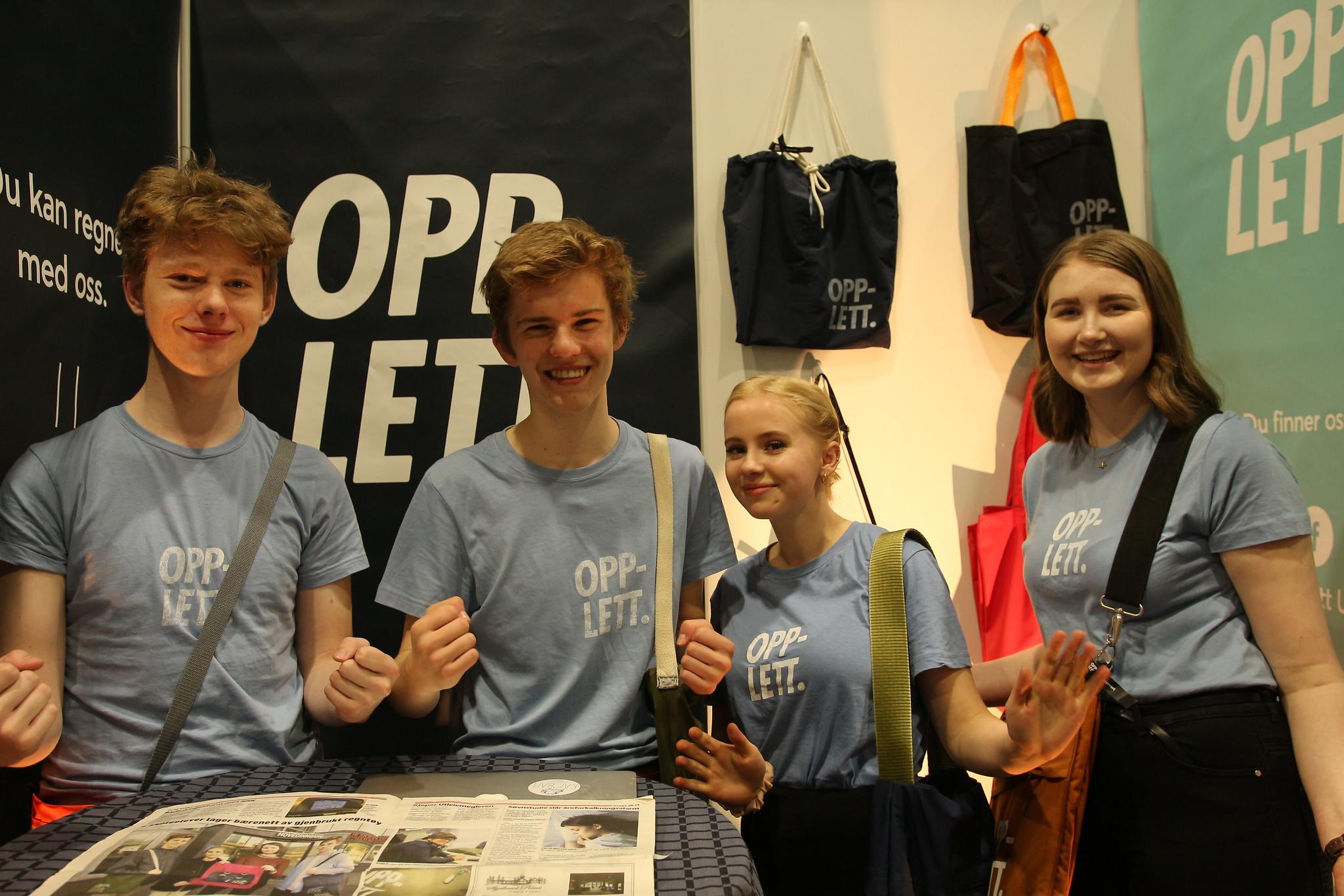 OPPLETT UB : Den engasjerte gjengen fra Bergen består av Mathias Bjørgo, Lena Jensen Tveit, William Ingvaldsen og Kristina Storm. Foto: Ungt Entreprenørskap.
