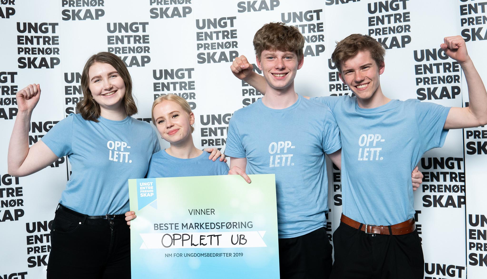 GODE MARKEDSFØRERE:  Under norgesmesterskapet for ungdomsbedrifter våren 2019 vant Opplett for «Beste markedsføring».