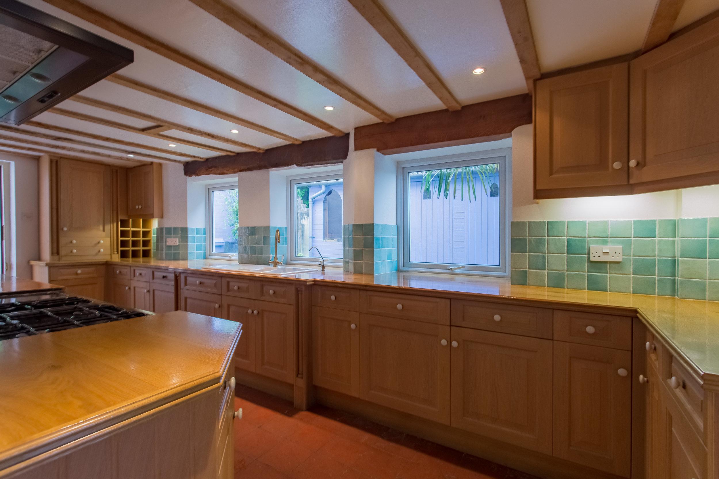 Kitchen Before8.jpg
