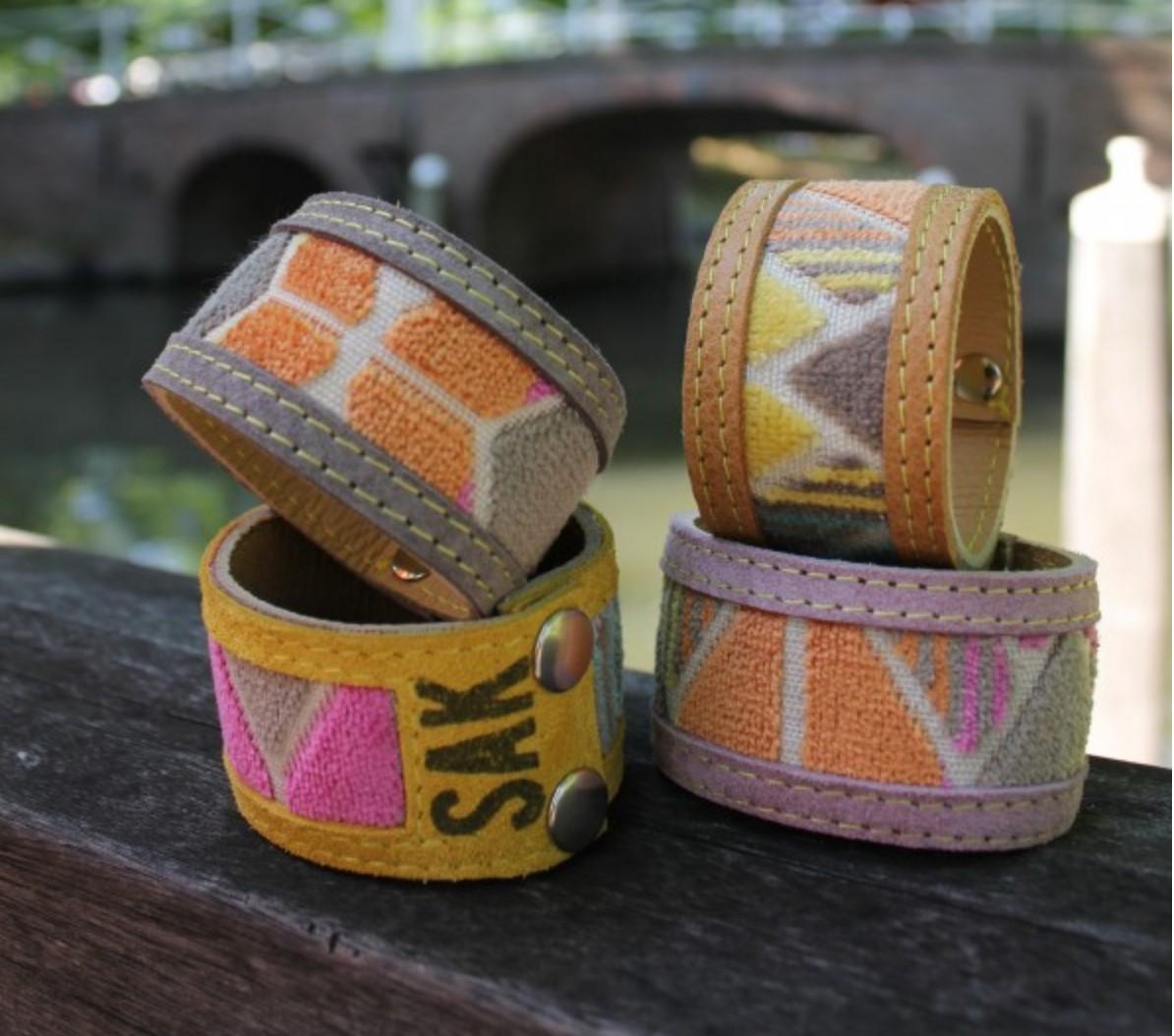 SAK-armband.jpg