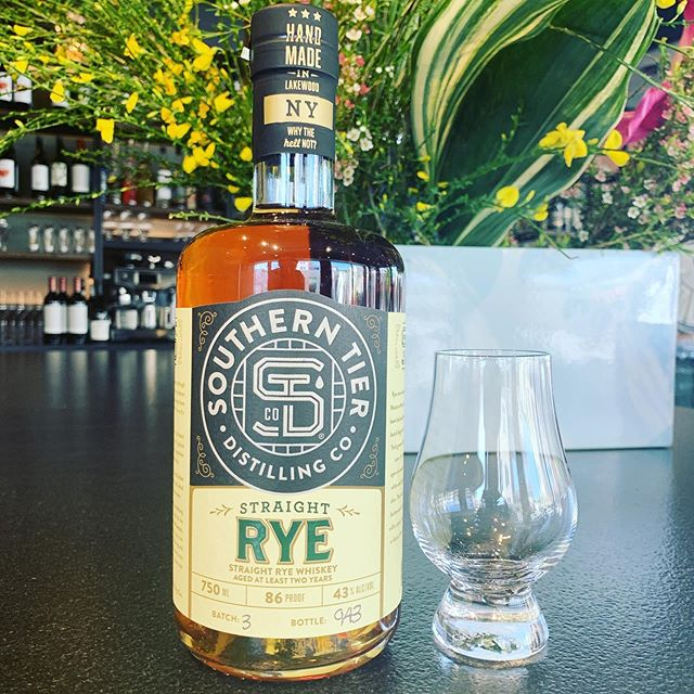 Happy Wednesday perfect day for a perfect RYE AT RYE ✌️🙌#bayran #ryeny #portchester #livemusic #riverside #westchester #oldgreenwich #stanford