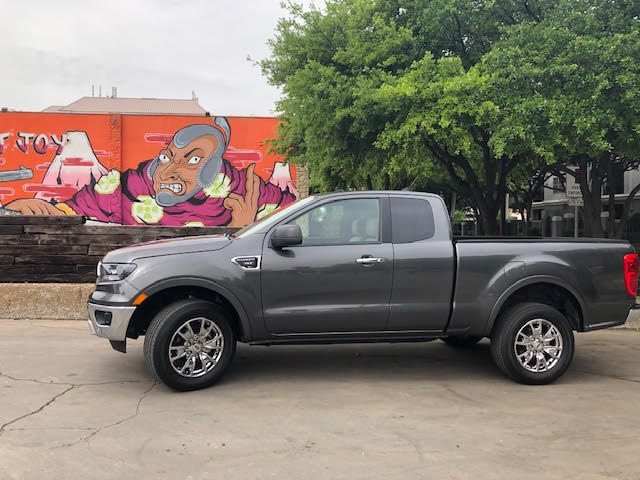 The midlevel Ranger XLT extended cab