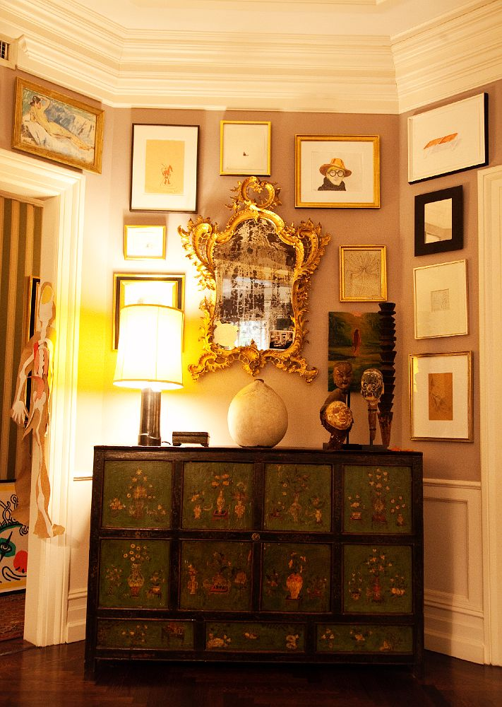 I'm just crazy for this painted piece and the gilded mirror. Look at that glass!! photo by The Selby