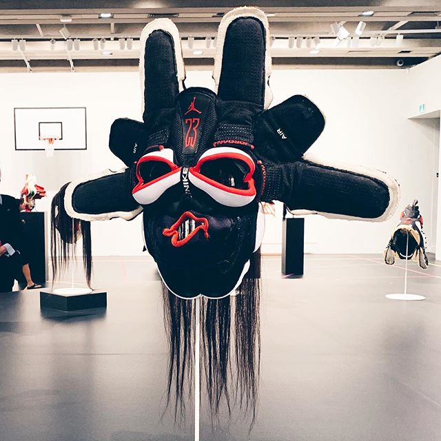 SNEAKERHEAD. LITERALLY 👟 Canadian artist Brian Jungen's sculpture series using Air Jordan's reimagined as indigenous headdresses  Exhibit: BRIAN JUNGEN FRIENDSHIP CENTRE at the @agotoronto until Aug 25th ✖️✖️ #JUNGENAGO #AIRJORDAN #BRIANJUNGEN