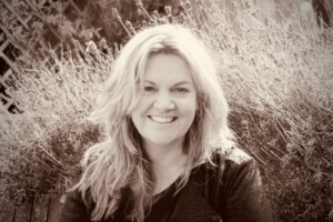 Lynn Agnew. Counsellor & Psychotherapist
