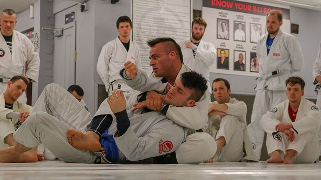 Father and son, professor and student. amazing relationship ❤️ . Representing JS flag on every competitions around the World! 🌍 . Join us to train body and mind at JSBJJ. Classes up to 5times per day! ❎ . Link in bio 🆙 . #jsbjj #bjj #relationshipgoals #fatherandson
