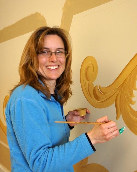 Annalee painting trompe l'oeil.jpg
