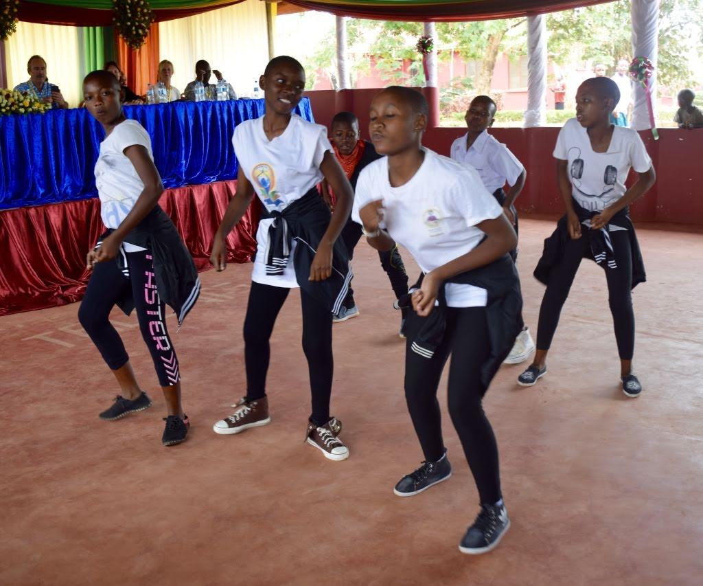 Students' Dance Performance 1.jpg