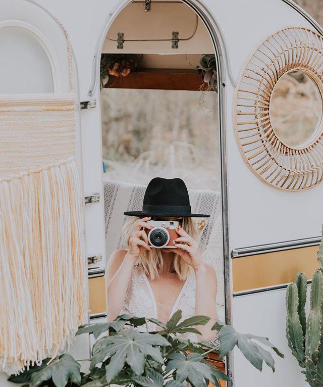 Après de nombreux mois de travail notre petite caravane photobooth est désormais prête à vous accueillir lors de vos événements⚡️#mariage #anniversaire #evjf #gardenparty #weddingplanner #events