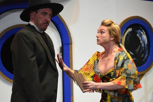 """Moonface Martin (Brant Allen) and his sidekick Bonnie (Kendall Yorkey) plan their strategy in a scene from """"Anything Goes."""""""