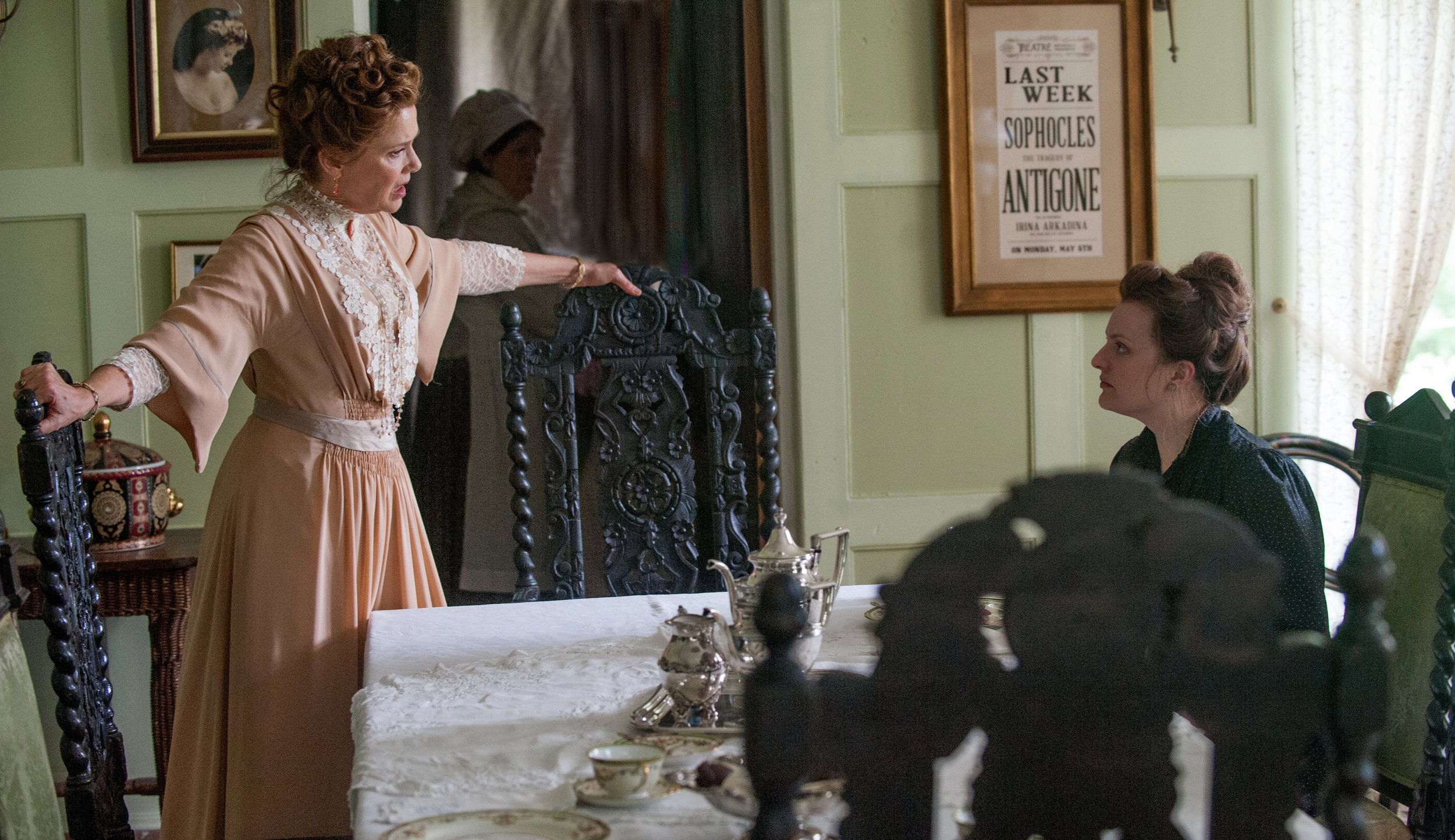 """Annette Bening and Elisabeth Moss in a scene from the movie """"The Seagull,"""" based on Anton Chekhov's play."""