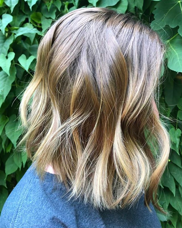 Hello gorgeous.. have you ever wanted to try this beautiful cut ? Schedule your appointment today! Happy Thursday!  Haircut: @rosathecolorista