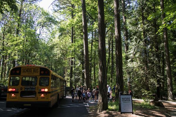 school-field-trip-bus-tryon-creek.jpg