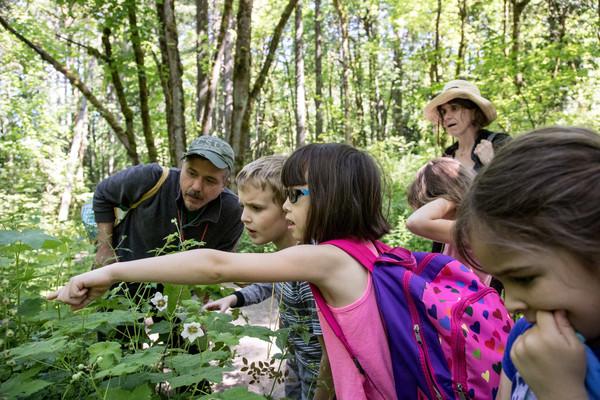 tryon-creek-volunteer-field-trip-education.jpg