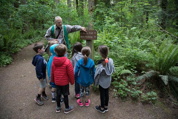tryon-creek-volunteer-field-trip-guide.jpg