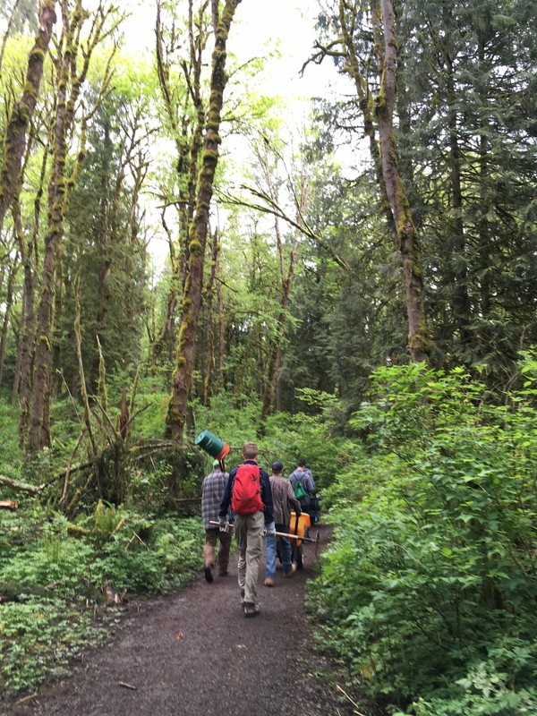 tryon-creek-volunteer-eco-crew.jpg