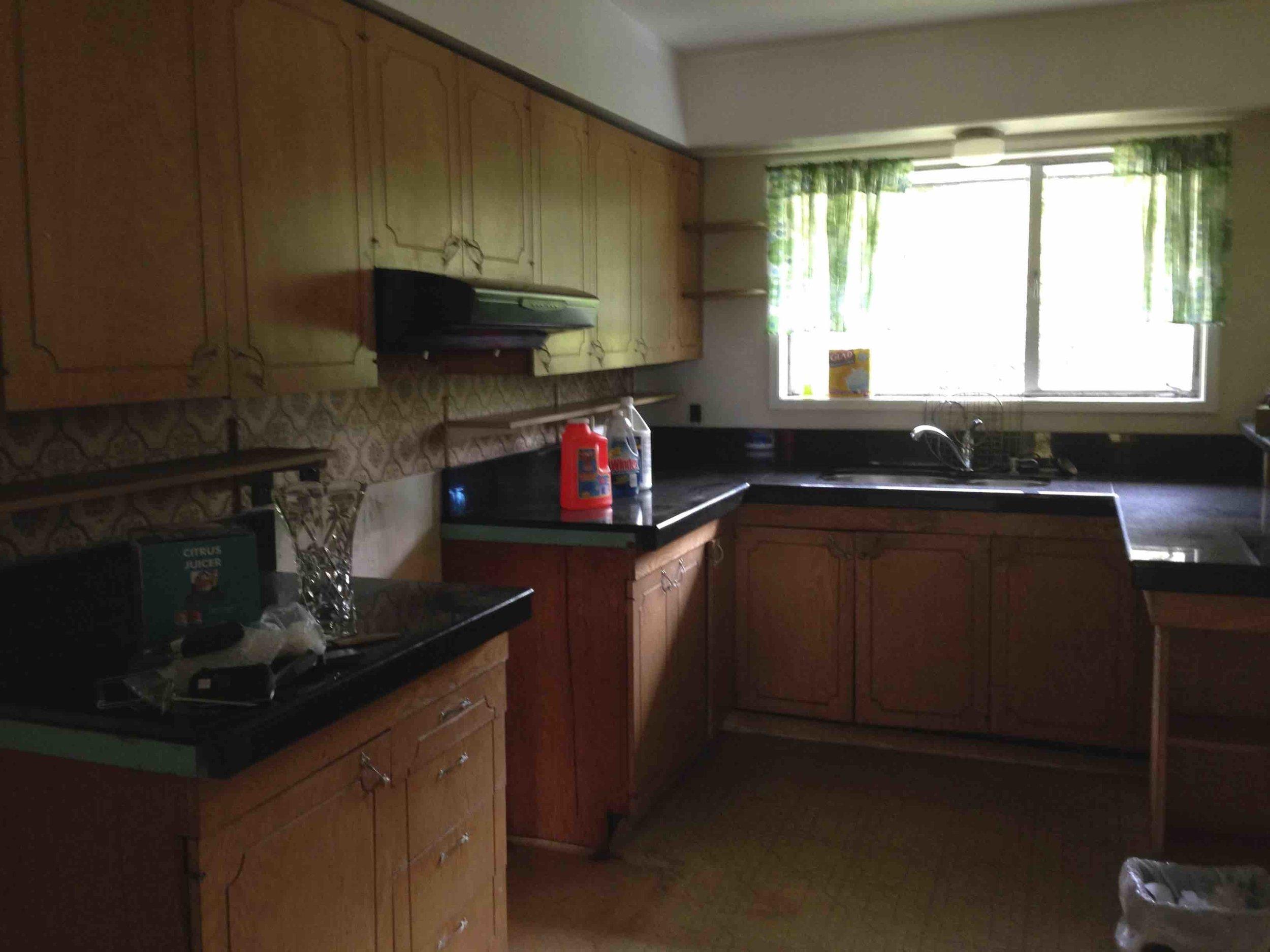 318 original kitchen.jpg
