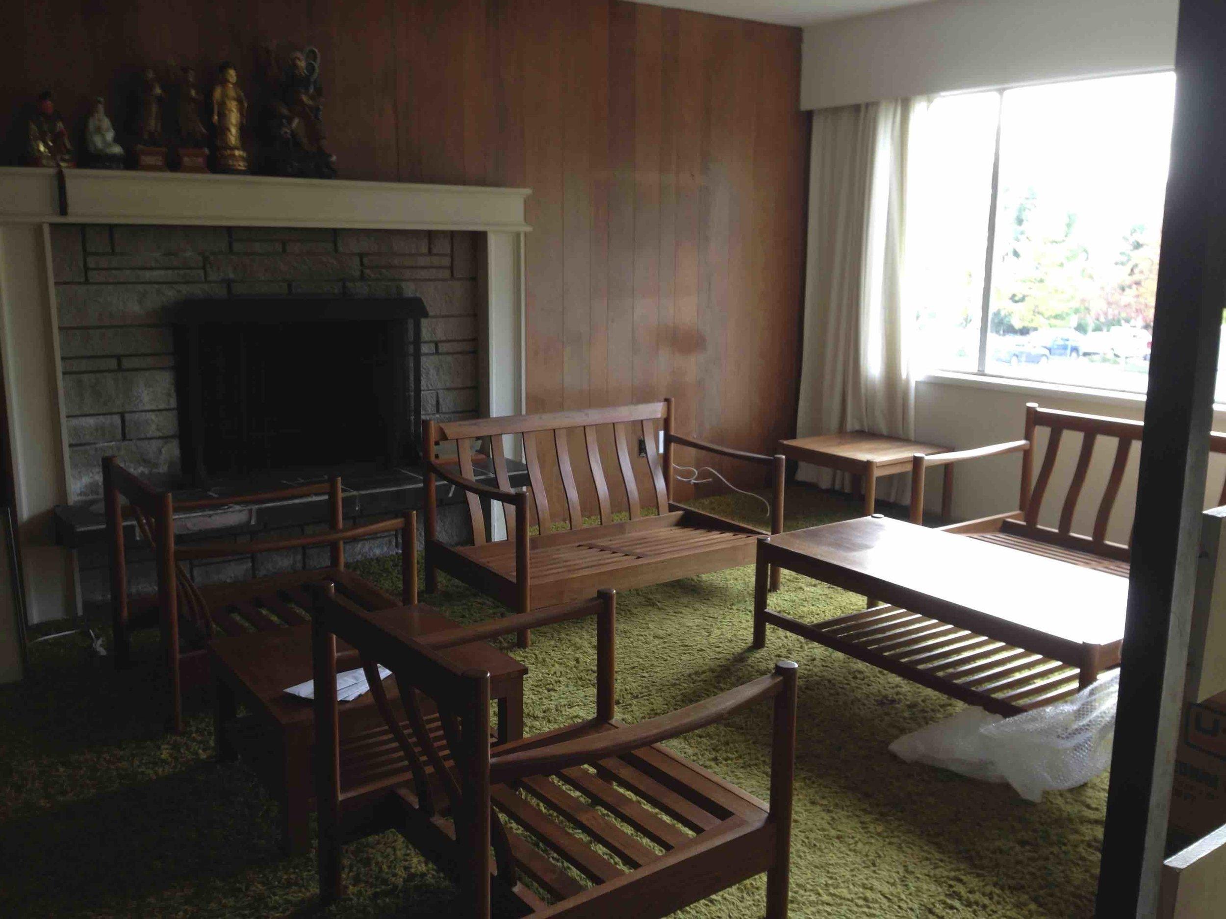 318 original living room.jpg