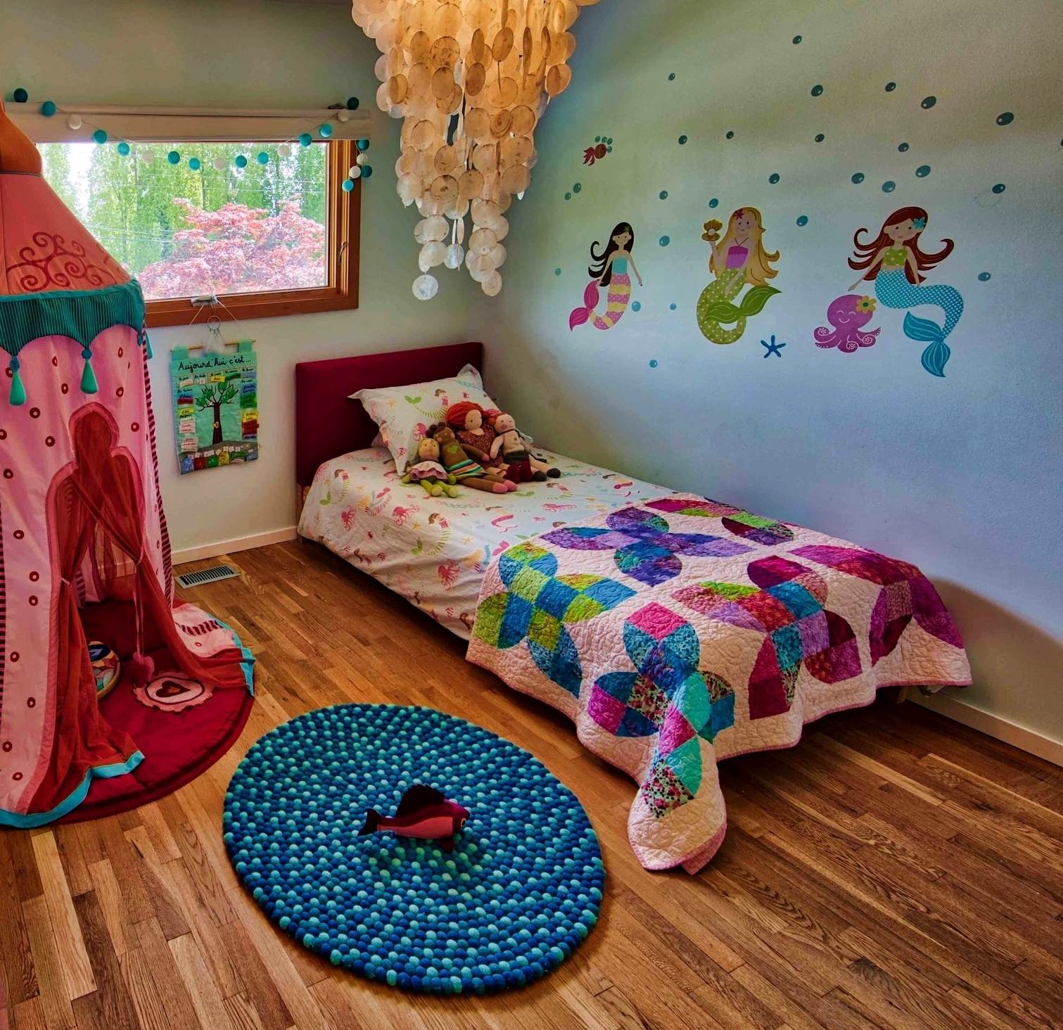 MINDFUL-HOMES-kids-room-mermaid.jpg