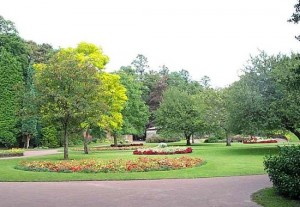 Manor_Park_glossop_1-300x207.jpg