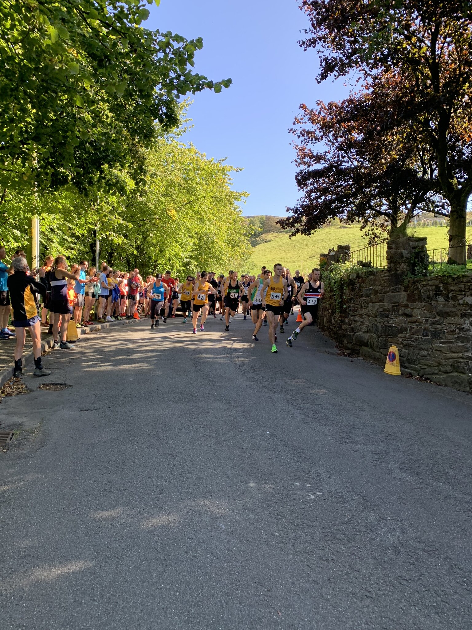 Start of the relay with the first road leg starting.