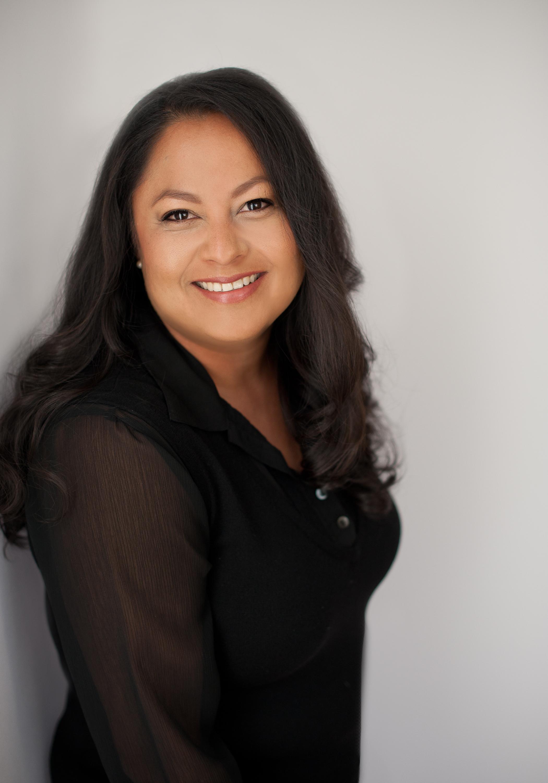 San Diego County Full Service Portrait Studio | Black Shirt Smile