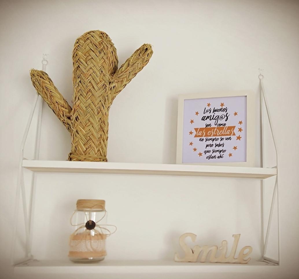 Cactus de esparto - Con armazón de maderaCactus de decoración, cestas, revisteros, maceteros, etc.