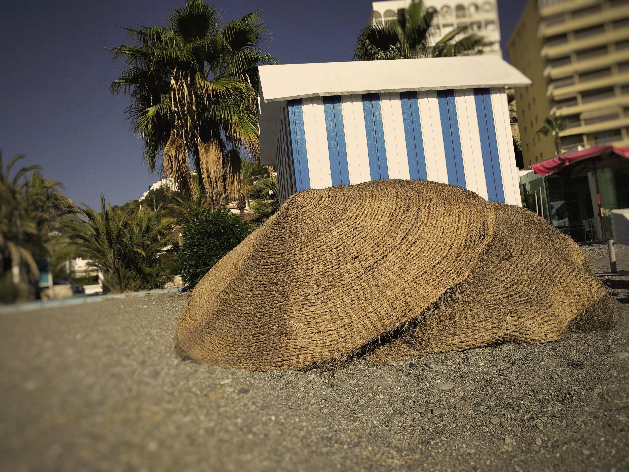Distribuimos parasoles en toda la costa española y en Portugal