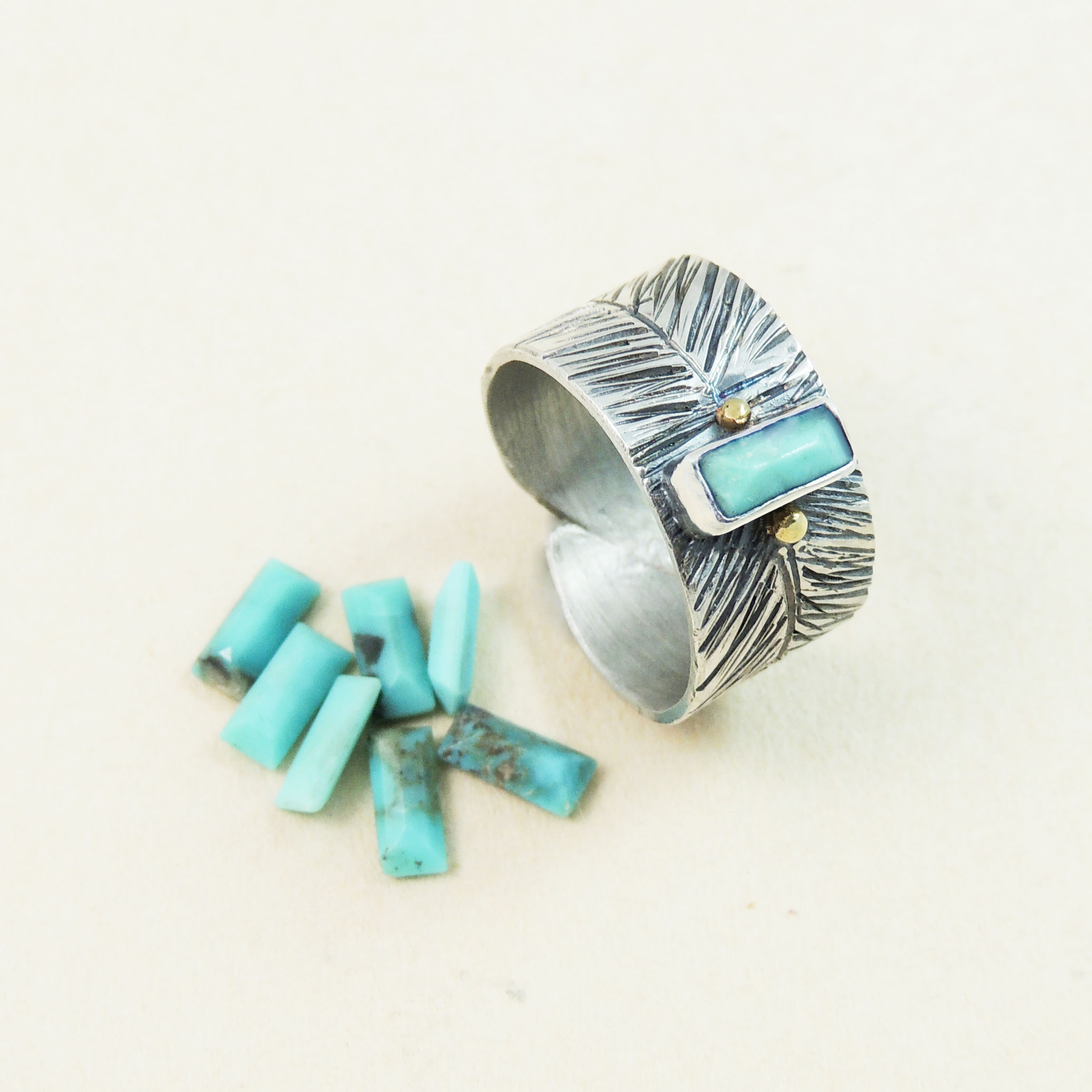 turquoise loose 7x3 baguetts ring.jpg