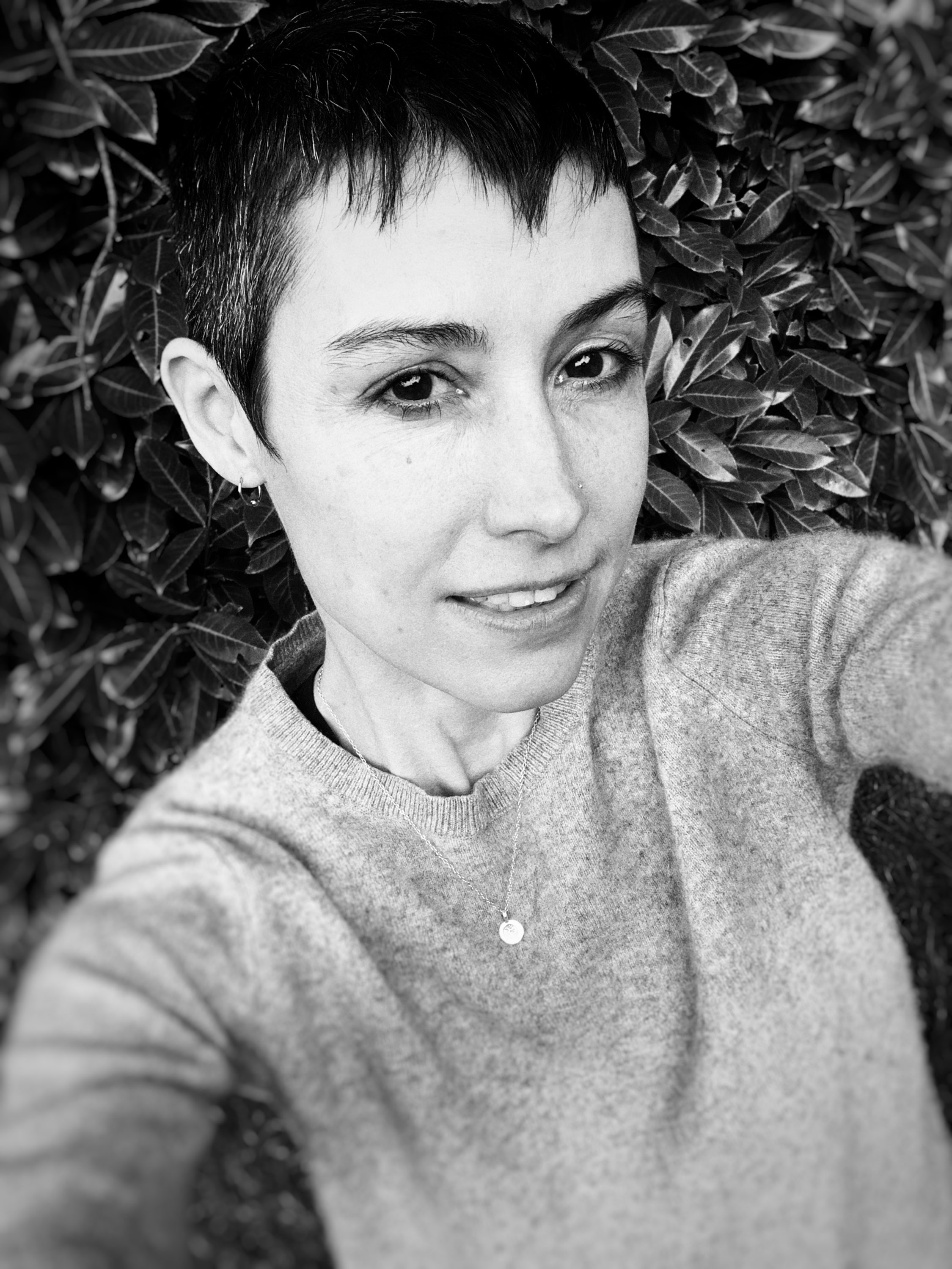 Backyard selfie – those greys!