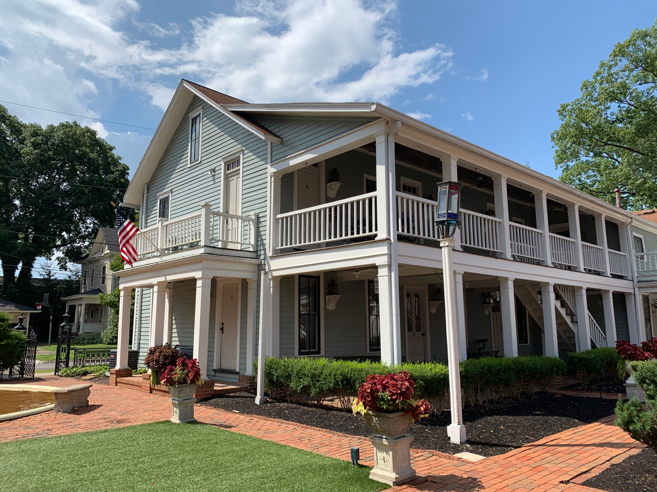 Pearl House -