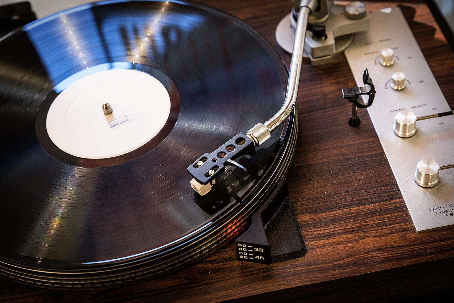 Record Player 1.jpg