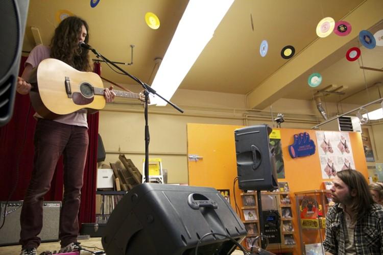 Kurt Vile @ Sonic Boom - april 2011 -