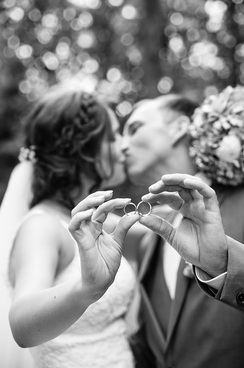 wedding-2426534_960_720.jpg