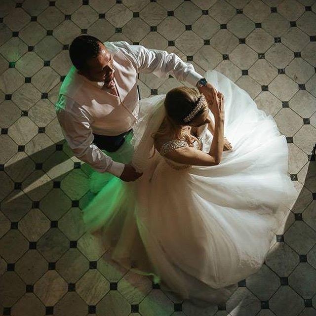 Thanks to @bluelilyweddings for the gorgeous photos of Carl & Cardine's wedding last year! 👰🏻🤵🏻💍☀️🎸 #weddingband #firstdance #mountephraimgardens #wedding #brideandgroom #husbandandwife #mrandmrs #weddingdress