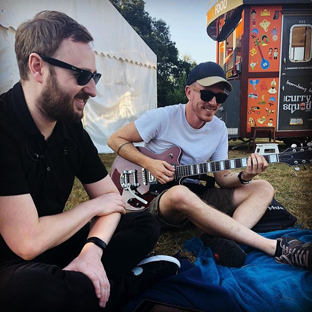 Pre-gig chills with the Rhythm Stars boys 🤓☀️🎸 #musician #gig #giglife #birthdayparty #weddingband #raybans #guitarist #guitar #picnic #marquee #outdoor