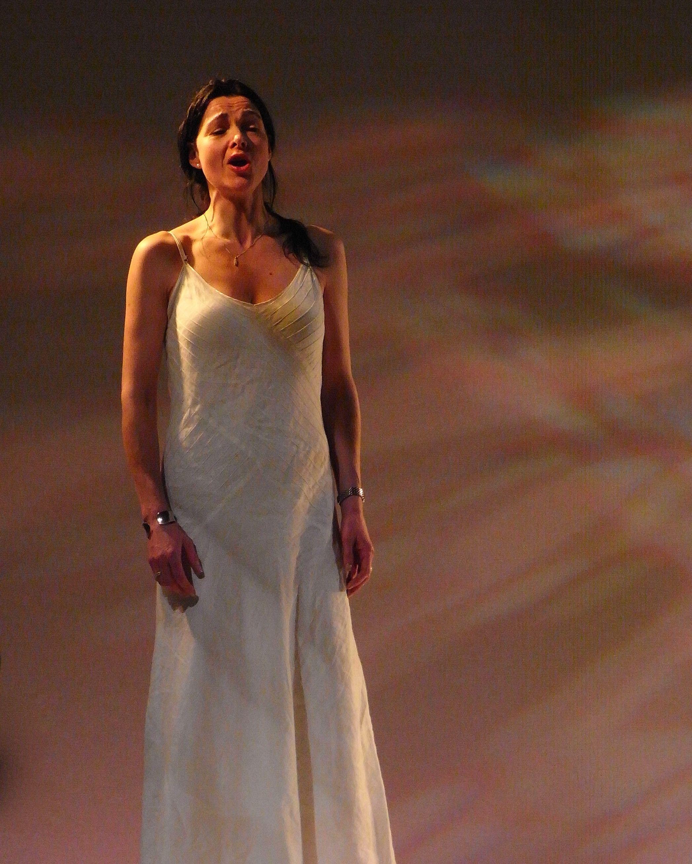 Clare McCaldin (mezzo) singing  Madrigali Dell'Estate  at the Royal Opera House Linbury Theatre