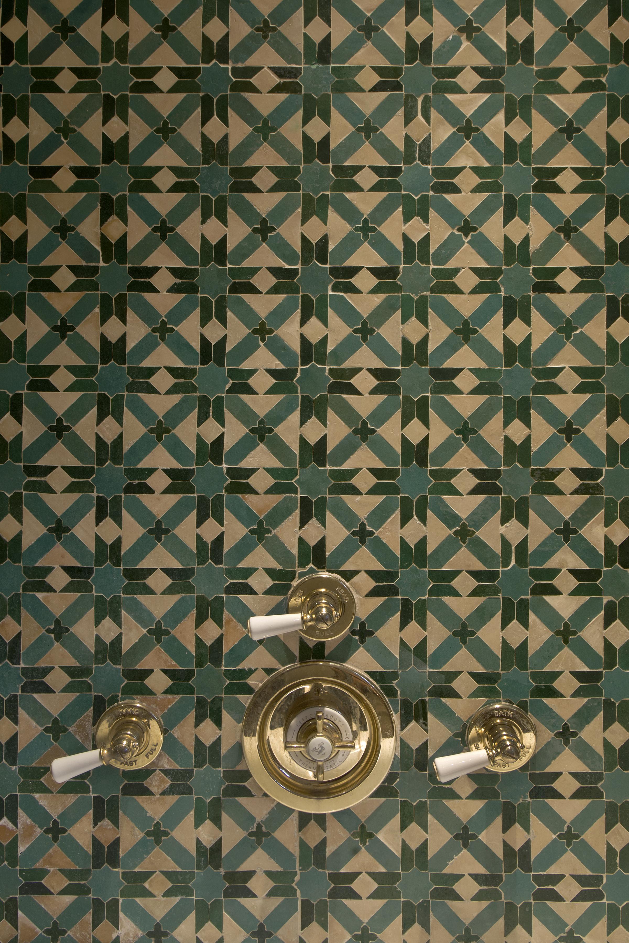 Deatail tile bathroom copy.jpg