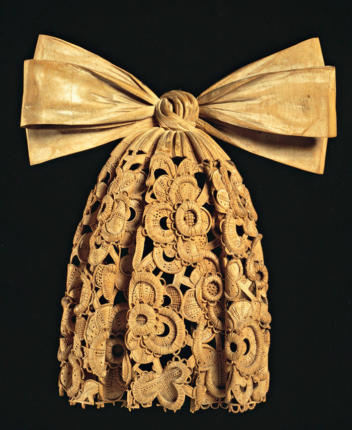 Cravat, carved in limewood by Grinling Gibbons
