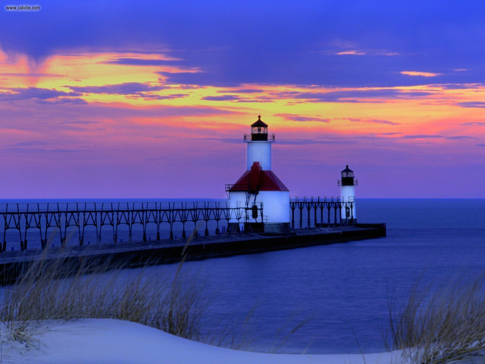 Twilight_St._Joseph_Michigan.jpg
