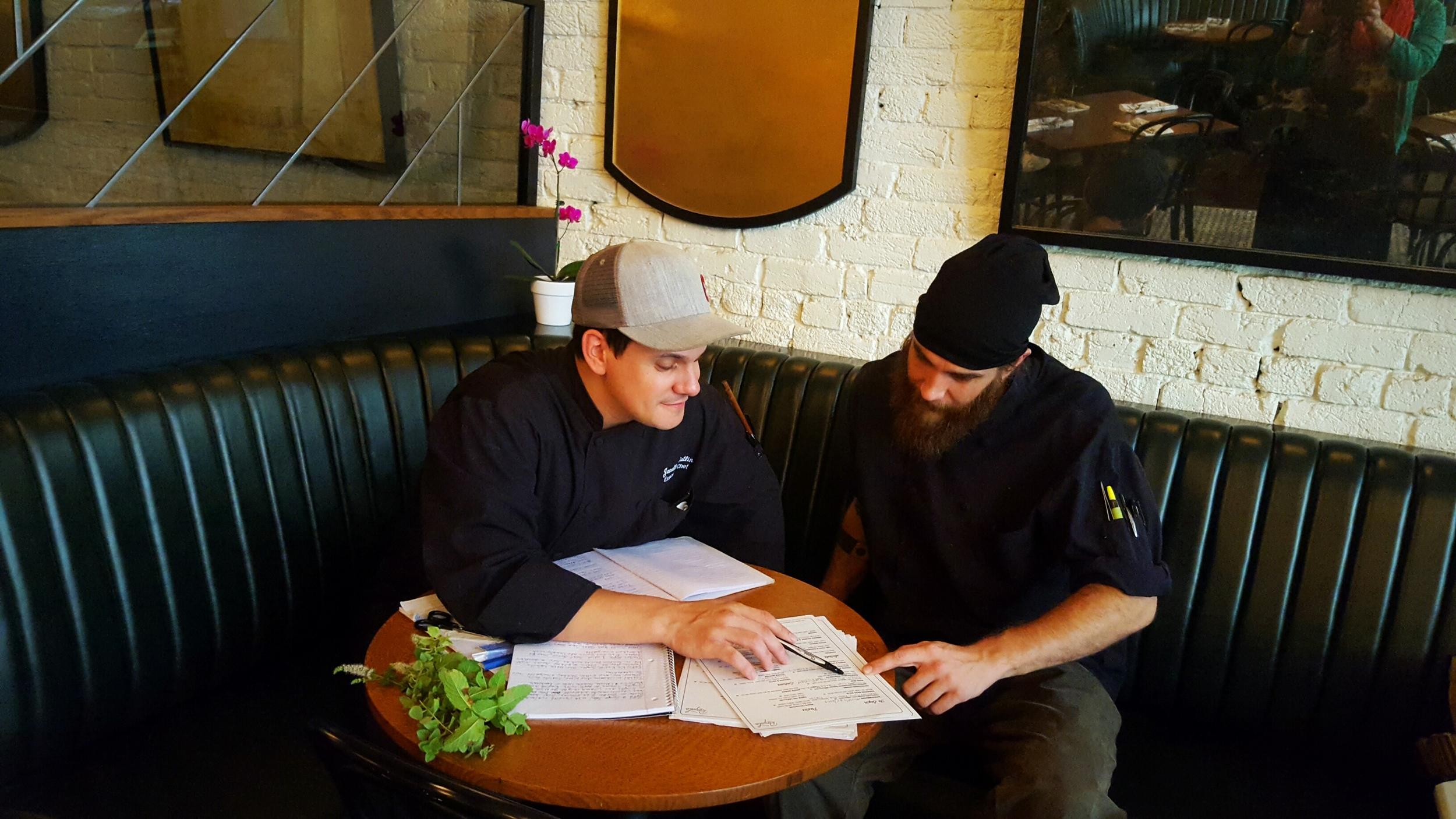 Chef+Jon+Gatlin_Farmers+Market+2016.jpeg
