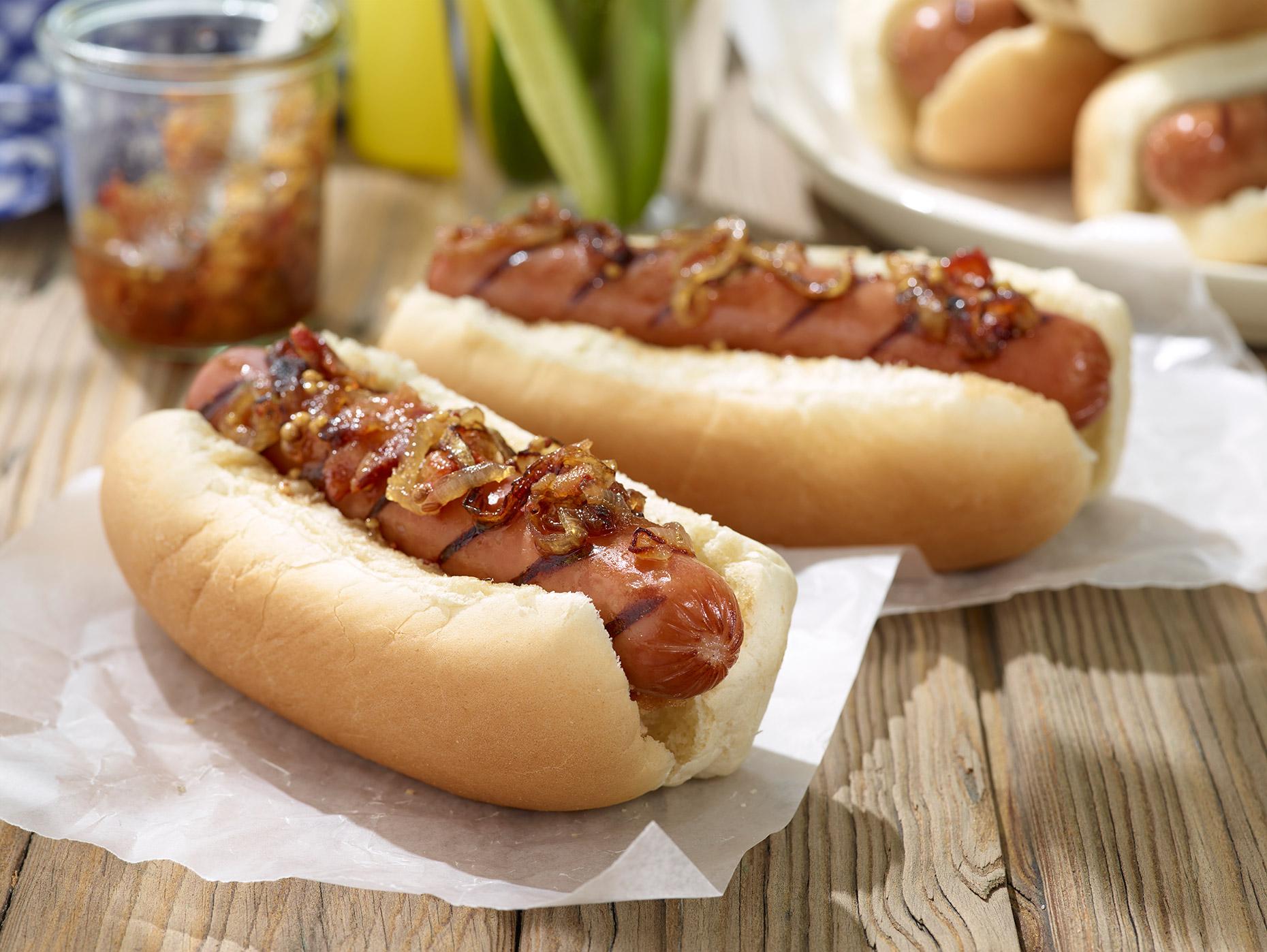 Smoked-Sausage-with-Smoked-Bacon-and-Onion-Marmalade_241.jpg