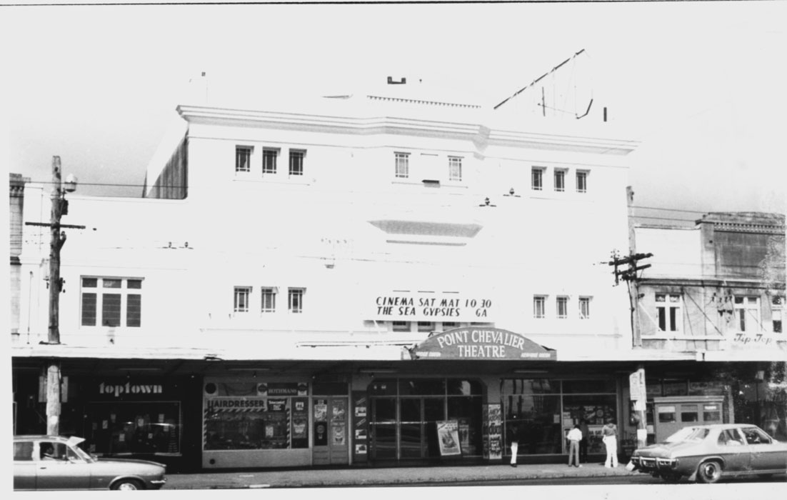 Point Chevalier Theatre, 1979. Photographer unknown, image provided by Allan Webb.