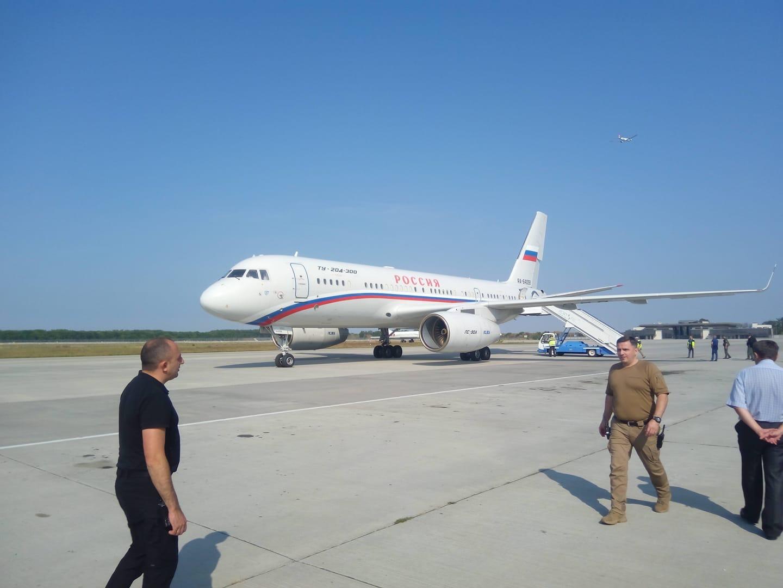 Russian Special Flight RA-64058 on the tarmac Saturday at the military wing at kyiv's Boryspil Airport. Credit: Andriy Tsaplienko
