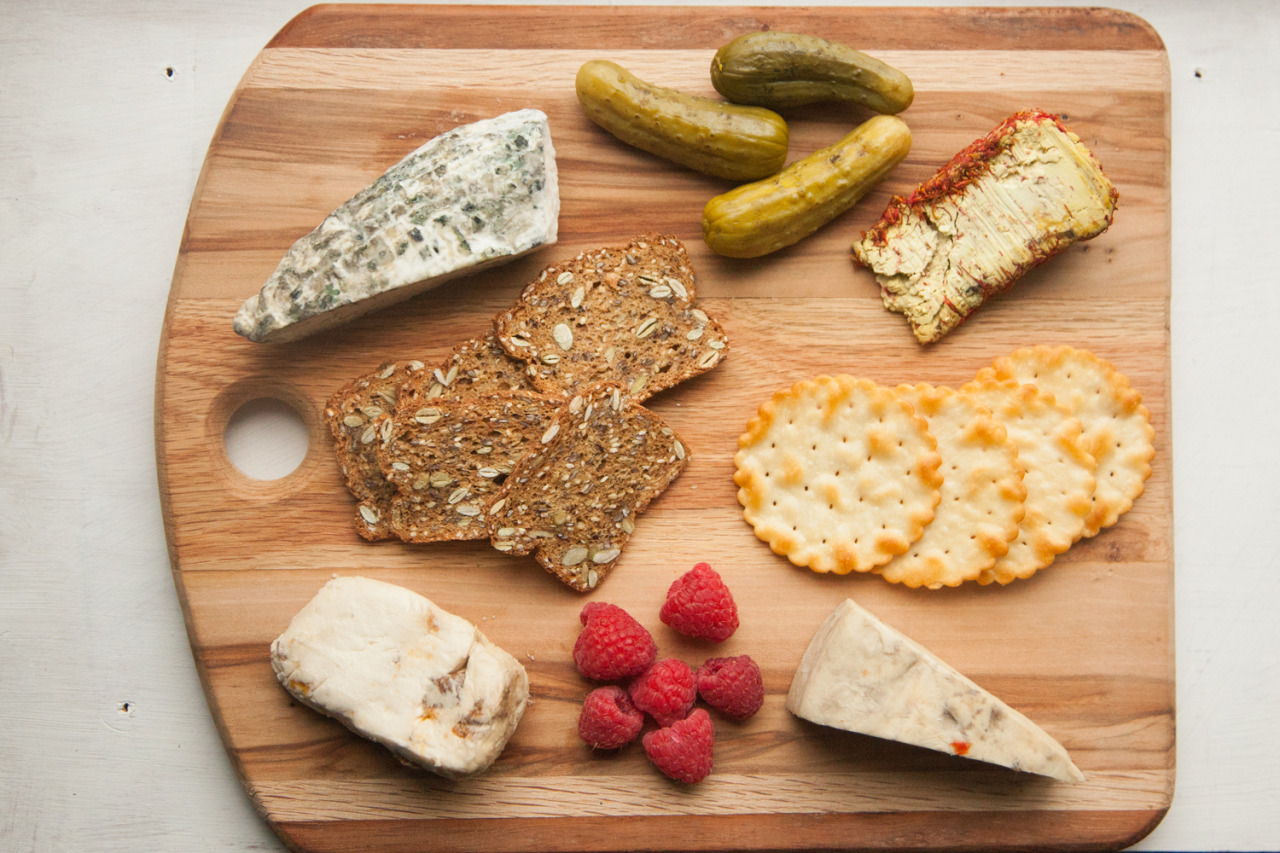 Blue Heron Creamery  Nut-Cheese board.
