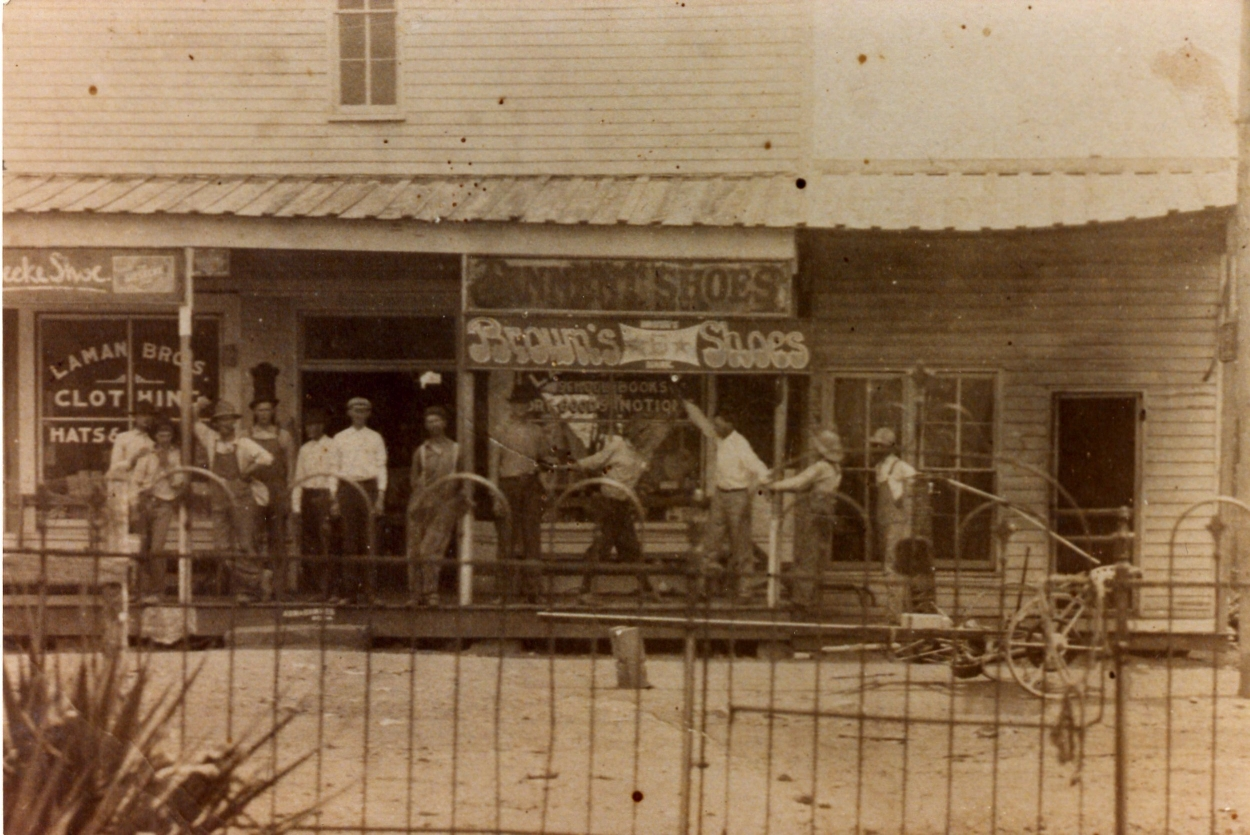 Laman Bros. General Store (Photo from the Gary Perkey collection.)