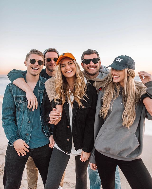 Meet my best friends ❤️ Not sure what I would do without them! There's no better feeling than having a few people in your life that you know will always have your back and you can tell anything to. So thankful for all the fun times we have been able to share together and can't wait for many more! Love you guys😘 . . . . . Also not featuring @the_ryleigh and @hollynej (the newest additions to the clan😉😉😉)